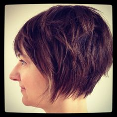 Textured pixie bob, www.howtohairgirl.com [sans bangs] - like that the ends are piece-y and not blunt, as if they've been thinned out a bit