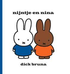 nijntje en nina, dick bruna | bol.com #nijntje #miffy Het thema van de Kinderboekenweek dit jaar is 'vriendschap'. Nijntje en nina zijn vriendinnen en in dit verhaal komt nina bij nijntje logeren. Dat vinden ze allebei heel leuk! Het voorlezen van dit verhaal wordt nog leuker met deze speciale eenmalige uitgave op groot formaat.