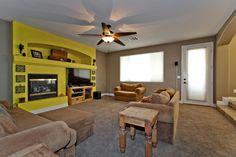 175 Tidewater Range Las Vegas, NV www.lasvegashomes.com Agent: Jameson & Stagg Family Room
