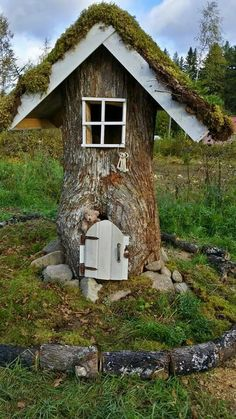 Made from old tree stump. It can be always done if you have old tree stump in your garden. Brings lots of fun for children! This is an example. Fairy Tree Houses, Fairy Garden Houses, Gnome Garden, Garden Art, Garden Grass, Indoor Garden, Tree Stump, Miniature Fairy Gardens, Garden Projects