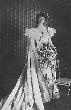 Eleanor Roosevelt married her fifth cousin Franklin Delano Roosevelt in 1905 (thus becoming Anna Eleanor Roosevelt Roosevelt)