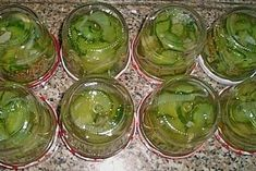Photolog - Sour cucumber from home cooking Chef Pickles Source by . Granola Bites, Healthy Granola Bars, Cooking Chef, Cooking With Kids, Gluten Free Granola, Chocolate Granola, Homemade Brownies, Vegetable Drinks, Cooking Gadgets
