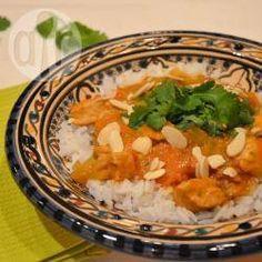 Hähnchencurry im Slow Cooker - Ein einfaches Curry mit Hähnchen, Kokosmilch, Tomaten und Möhren aus dem Slow Cooker. Mach ich oft am Wochenende, wenn viel zu tun ist und ich keine Lust zum Kochen hab.@ de.allrecipes.com