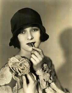 """Marceline Day - She starred in Buster Keaton's film """"The Cameraman"""" where she is adorable."""