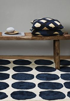 [INSPIRATIONS] Inspired by Paola Navone's aesthetics, MOM has selected a variety of objects that pay tribute to the timeless classicism of black and white with an arty twist. Home Decor Accessories, Decorative Accessories, Paola Navone, Beautiful Patterns, Home Textile, Home Decor Inspiration, Colorful Interiors, Decoration, Home Furnishings