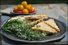 The Kitchen Lioness: Cheesy Oat Nibbles with fresh Herbs