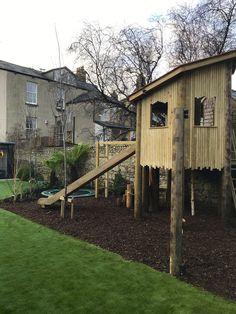 Tree House Designs, Cabin, Treehouses, House Styles, Garden, Home Decor, Garten, Decoration Home, Room Decor