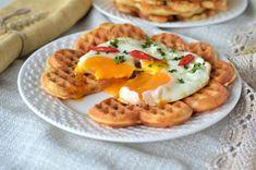 Vafe sarate pentru micul dejun - Retete culinare by Teo's Kitchen Lidl, Waffles, Bacon, Eggs, Dinner, Breakfast, Food, Kitchen, Dining