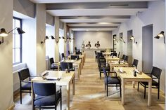Vienna's newest temple of haute cuisine is chef Konstantin Filippou's namesake Michelin-starred restaurant. He cares less about flash than about qu. Destinations, Europe, Travel And Leisure, Places To Eat, Fine Dining, Vienna, Awards, This Or That Questions, Interior Design