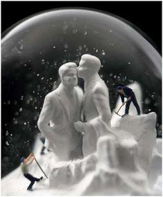 Wonderful-snow-globes-16