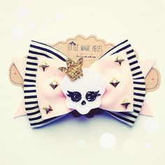 I think I'm falling in love with stripes after creating this Custom Bow Headband ;) Cute Skull Bow xoxo