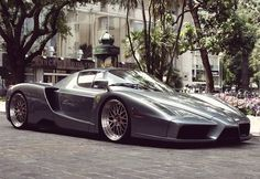 Ferrari Enzo on different wheels in the right colour...becomes a hell of a looker in addition to a performer.