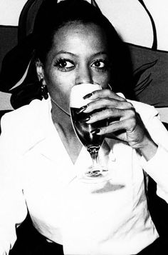 Singer Diana Ross Enjoys Drink Before Show Stock Photo, Royalty Free Image: 69487439 - Alamy Diana Ross Supremes, Lady Sings The Blues, Grammy Nominees, Disco Funk, Billboard Magazine, Motown, Record Producer, American Singers, Music Artists