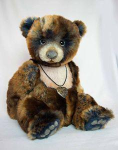 Bear by Silvia Gilles