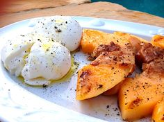 Enjoy this delicious Fast & Fabulous recipe for Grilled Cantaloupe with Prosciutto & Burrata. It's perfect for enjoying during the Summer months!