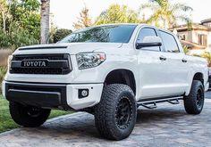 has one badass machine! 2014 Tundra, Tundra Trd Pro, Tundra Crewmax, Tundra Truck, Toyota Used Cars, Toyota Trucks, Toyota Tundra Lifted, Toyota 4runner, Future Trucks