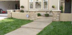Concrete walkway by Davis Concrete - 951-461-7123 - Vista CA