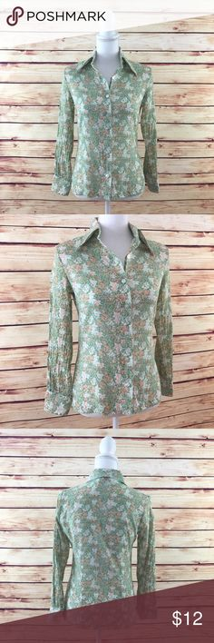 """Make Bundle Offer • Green Floral Button Down Shirt ▫️Brand: College Town ▫️Size: XS ▫️Material: Cotton ▫️Flaws: *No size on tag*  ▫️Description:  •Button front w collar •Long sleeves w button cuffs •Floral pattern  •Slim fit   ▫️Measurements Laying Flat: •Chest: 18"""" •Length: 23"""" •Shipping Weight: 4oz  ▪️NO Trade/Hold ▪️Next Day Shipping ▪️Smoke Free/Kitty Friendly Home College Town Tops Button Down Shirts"""