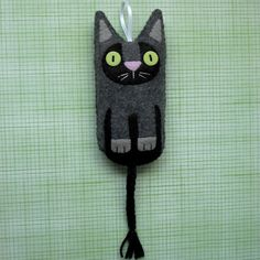 Wool felt kitty