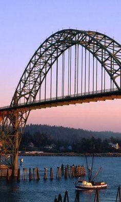 The Infinite Gallery : Yaquina Bay Bridge, Oregon