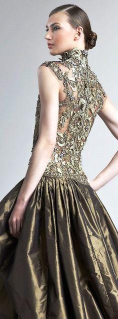 Oscar de la Renta Gold Gown