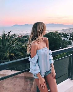 Tops like this one are an absolute delight to wear. Perfect for sunset Instagram pics. | 20+ of the Best Summer Outfits Trending Now
