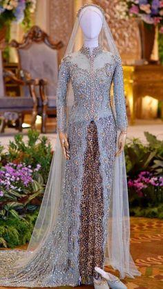 Kebaya Wedding, Muslimah Wedding Dress, Muslim Wedding Dresses, Dream Wedding Dresses, Wedding Gowns, Kebaya Lace, Kebaya Hijab, Batik Kebaya, Kebaya Dress