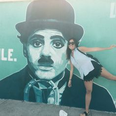 Something I learned living in Los Angeles is that boredom is not welcome. And more if you are passionated about social media, as me. Walking aroundthe streets of LA I found these intagrammeables w…