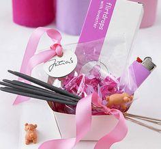 Paket mit Glücksbringern - Dekoration für die Silvester-Party 2 - [LIVING AT HOME]