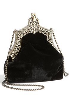 I love these vintage purses