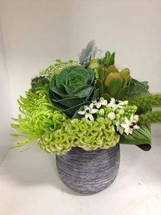 Floral Arrangement ~ Flower Workshop Naturally beautiful florals