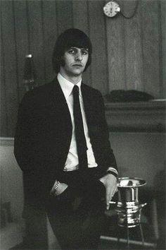 Richard Starkey (Genesis Publications - News - Ringo Starr - Y Not - 1 Feb Les Beatles, John Lennon Beatles, Great Bands, Cool Bands, Richard Starkey, The Fab Four, Gretsch, Ringo Starr, Thomas Brodie Sangster