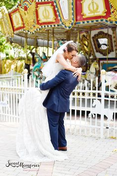 Host your event at Palm Beach Zoo in West Palm Beach, Florida (FL). Use Eventective to find event, meeting, wedding and banquet halls. Meeting Venue, Meeting Place, Palm Beach Wedding, Palm Beach Fl, Wedding Bells, Wedding Venues, Weddings, Nice, Wedding Reception Venues