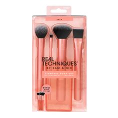 The Real Techniques Flawless Base Set features a contour brush, detailer brush, buffing brush, square foundation brush, and brush cup. Find professional makeup tools at Real Techniques! Contour Brush, Concealer Brush, Contouring And Highlighting, Bronzer, Makeup Brush Cleaner, Makeup Brush Holders, Makeup Brush Set, Base Makeup, Pelo Suelto
