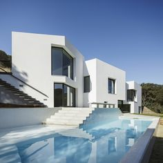 House in LLavaneres, Spain by MIRAG ArquitecturaiGestió