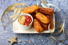 Maishund (Wurst im Mantel) - Mindmegette. Coron, Corn Dogs, Hot Dog, Sweet Potato, Carrots, Sausage, Potatoes, Vegetables, Van