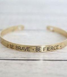 5c0ac4191520 Pulsera con mensaje - Be brave. Pulseras De ModaPulseras ...