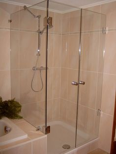 Dusche Fliesen Neues Bad kleine Bäder Creme Materialien