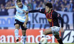 Copa Sudamericana | El sabalero lo dio vuelta y pasó de ronda (Foto: Télam) Leé la nota completa en http://www.lapampadiaxdia.com.ar/2012/08/copa-sudamericana-el-sabalero-lo-dio.html
