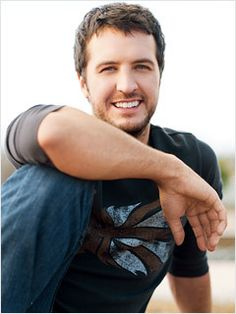 Luke Bryan is the best thing ever can't wait to see him in concert.