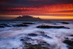Table Mountain seen from Bloubergstrand, Cape Town, Western Cape, South Africa. Table Mountain, Mountain Range, What A Wonderful World, Cape Town, Wonders Of The World, South Africa, Beautiful Places, Scenery, Waves