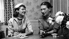 Sylvia Plath/Benatti  doze badaladas no relógio desmentidas pela rua principal o subúrbio de madeira, nuvem cinzenta iluminado, porém despovoado – dependurou nas janelas bolos de casamento  …