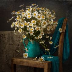 "Foto vom Album ""Still Life Album auf Yandex. Still Life Drawing, Still Life Art, Flower Vases, Flower Art, Still Life Flowers, Still Life Photos, Light Painting, Still Life Photography, Simple Art"