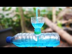 fonte fluindo sem eletricidade - YouTube Heron Fountain, Bamboo Fountain, Diy Fountain, Diy Crafts Hacks, Diy And Crafts, Crafts For Kids, Garden Watering System, Life Hacks Youtube, Bottle Crafts
