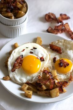 I lOVE bacon and potatoes. Good site for yummies!