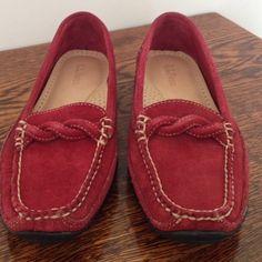 L. L. Bean Brick Red Vibran Driving Shoe 7.5 Nice comfort cushion Vibram sole shoe. L.L. Bean Shoes Flats & Loafers