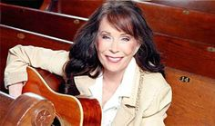 Ky. native Loretta Lynn among Presidential Medal of Freedom winners