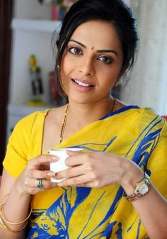 Beauty Saved by Beautiful Girl Indian, Most Beautiful Indian Actress, Beautiful Gorgeous, Beautiful Saree, Beautiful Actresses, Gorgeous Girls Body, Raw Beauty, Cute Beauty, Beauty Full Girl