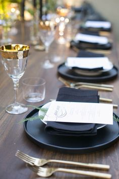 Moody and glamorous table decor: http://www.stylemepretty.com/living/2016/11/11/a-moody-and-glamorous-fall-dinner-party-under-the-stars/ Photography: Carla Choy - http://www.carlachoyphoto.com/