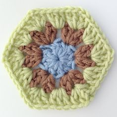 Finishing the solid crochet hexagon motif